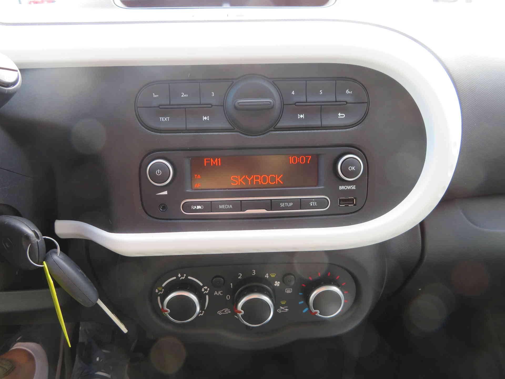 3 - Twingo III 1.0 SCe 70 eco2 Stop & Start
