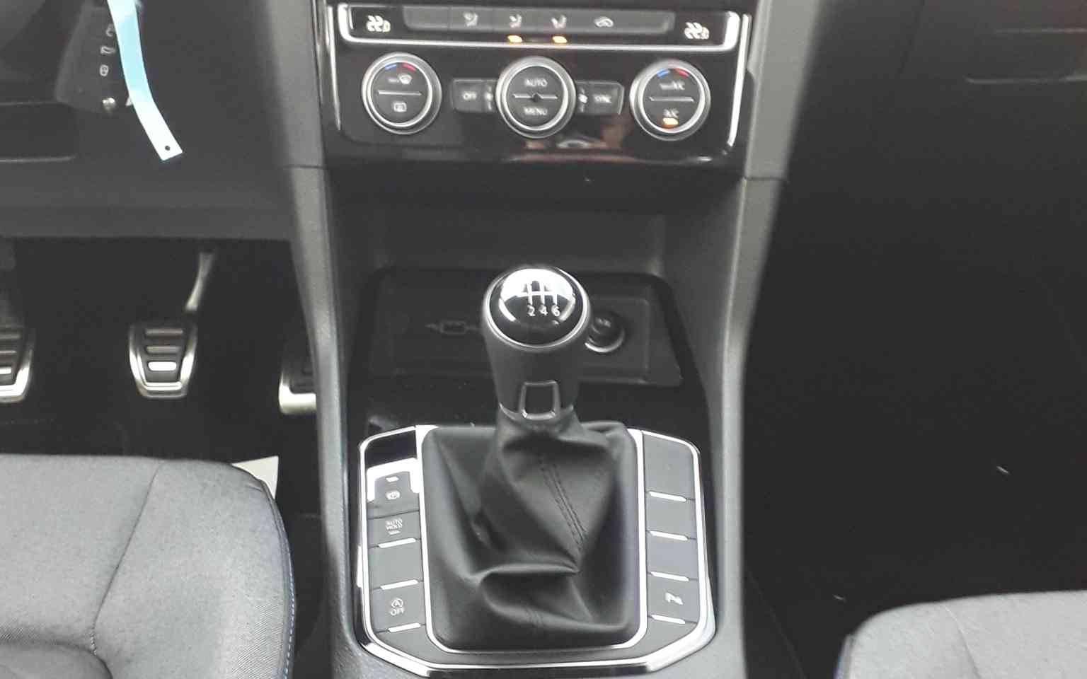6 - Golf Sportsvan 1.0 TSI 115 BMT BVM6