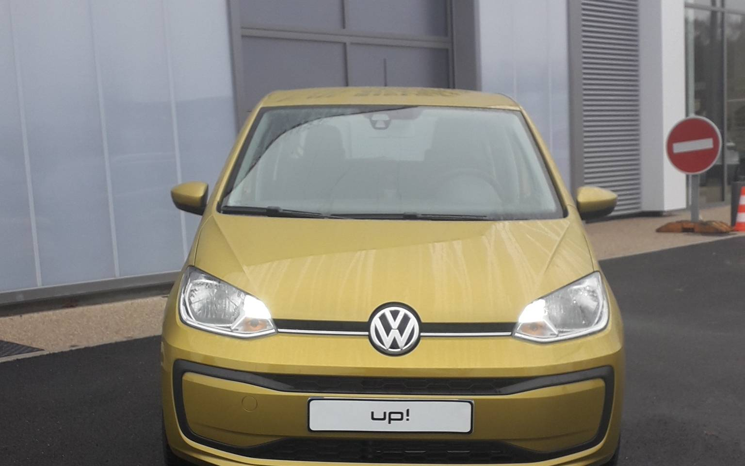 12 - Up 1.0 60 BlueMotion Technology BVM5