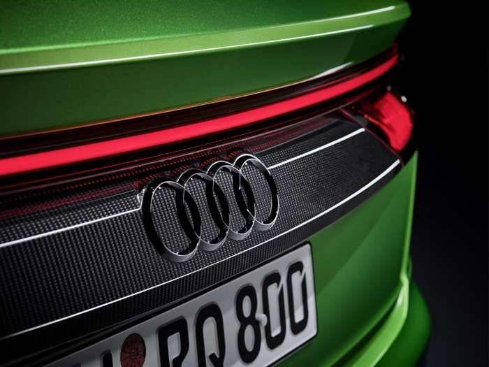 Nouvelle Audi RSQ8 quattro phares led arrière