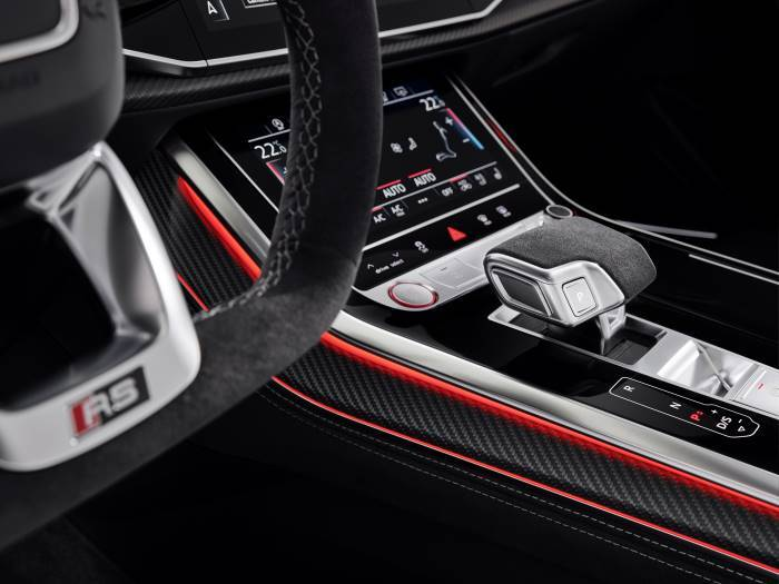 Nouvelle Audi RSQ8 sport intérieur levier vitesse