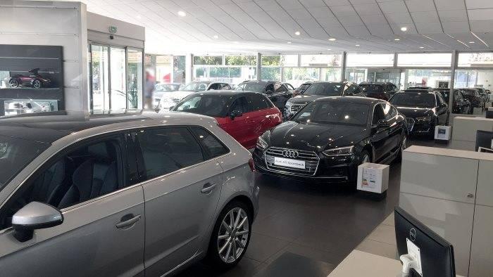 Audi Bauer Paris Nanterre > Show-room d'exposition