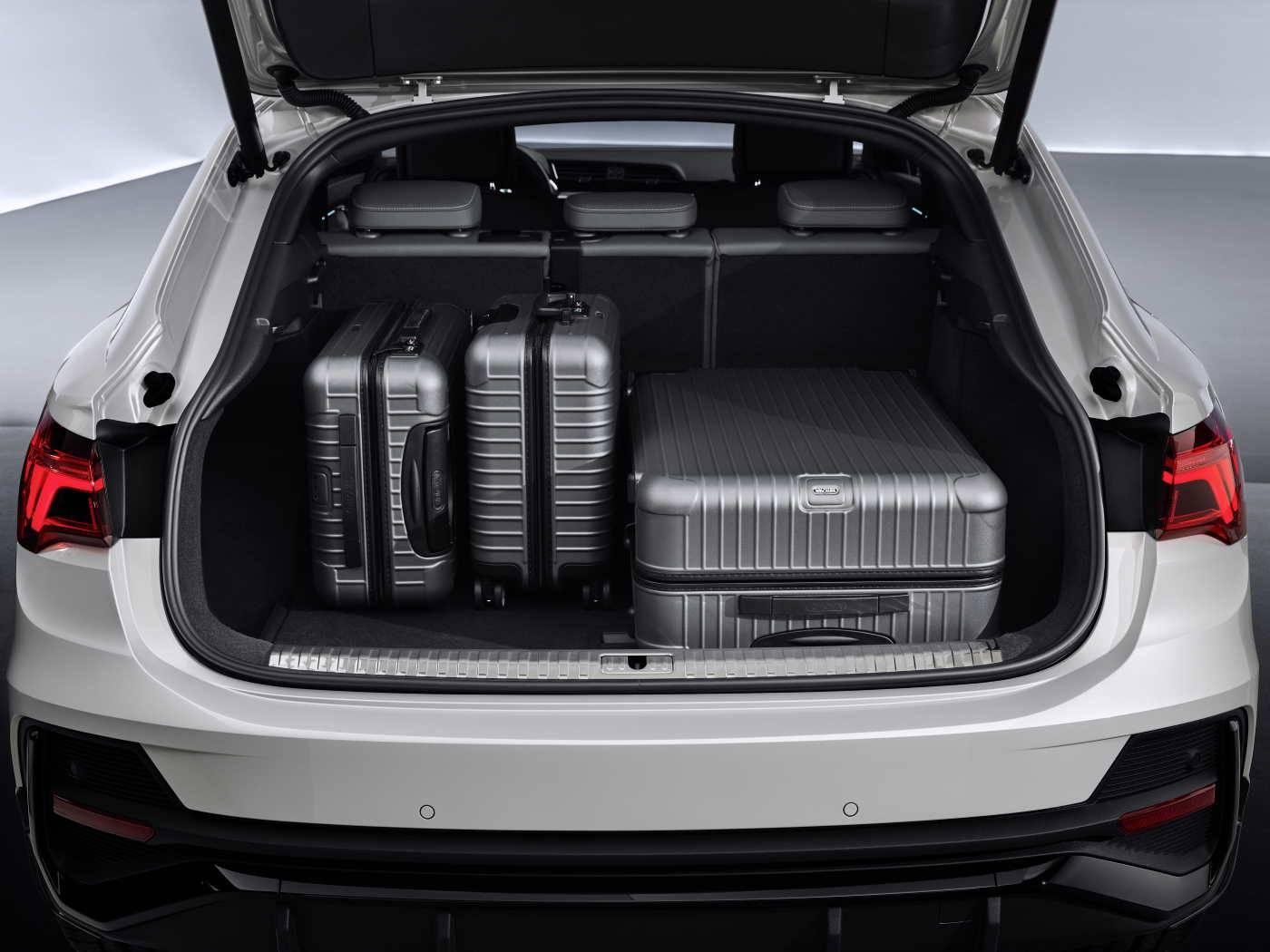 Nouvelle Audi Q3 Sportback 2019 2020 coffre valise
