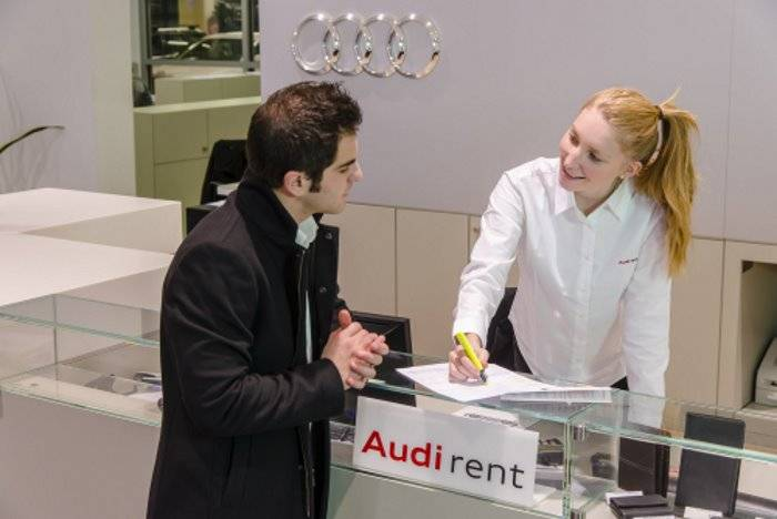 Audi rent location voiture A1 A3 A4 A5 Q2 Q3 Q5 Q8