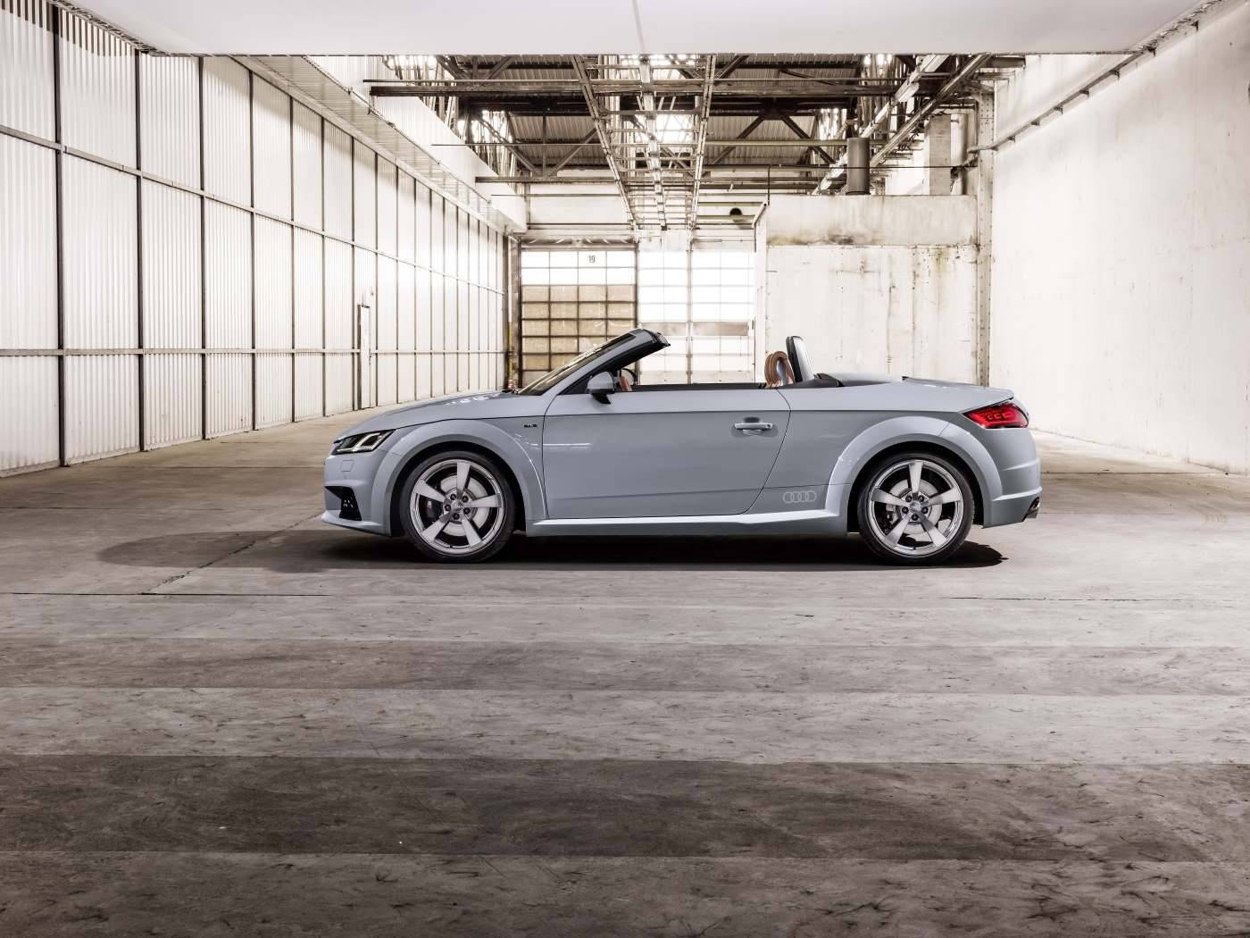 Audi TT 20 ans - profil