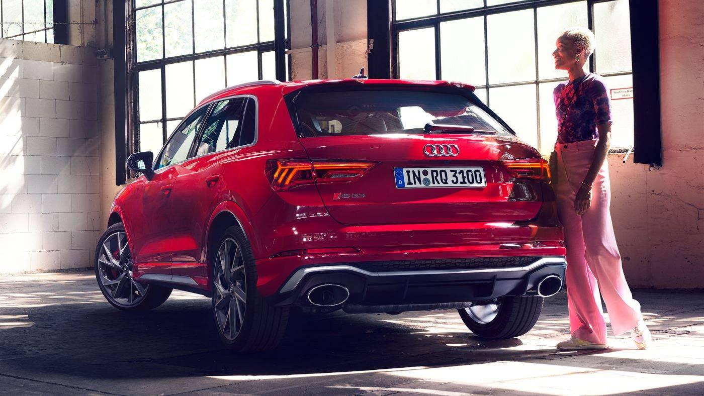 Nouvelle Audi RSQ3 2020 arrière rouge