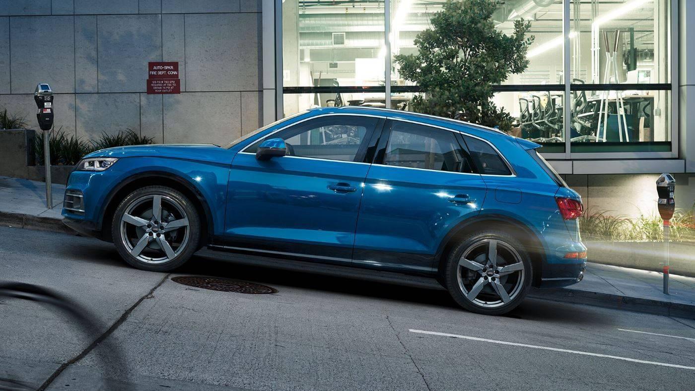 Audi Q5 TFSI e hybride rechargeable pente