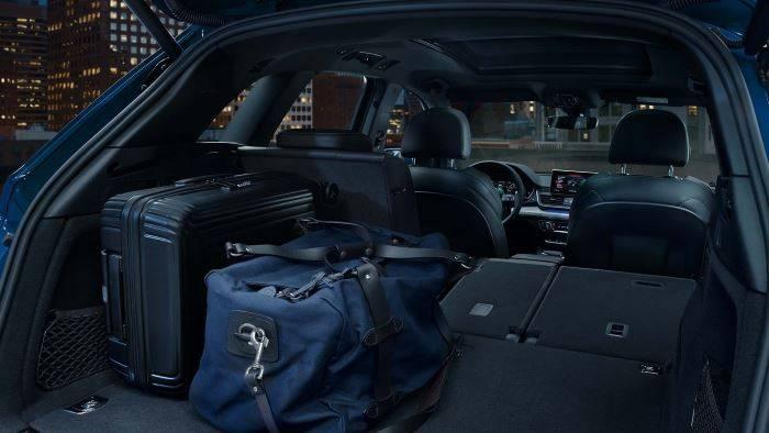 Audi Q5 TFSI e hybride rechargeable coffre banquet