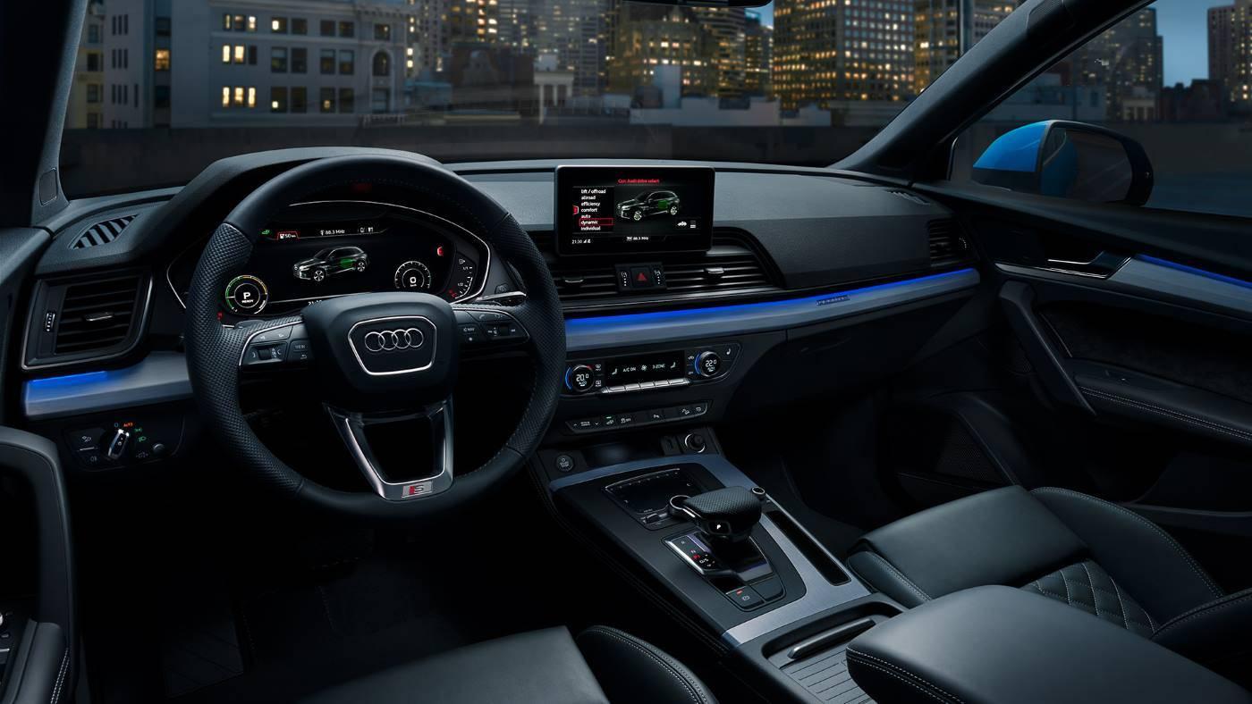 Audi Q5 TFSIe hybride rechargeable tableau de bord