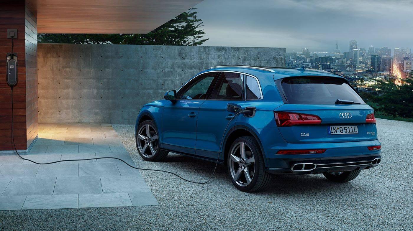 Audi Q5 TFSI e hybride rechargeable 3/4 borne