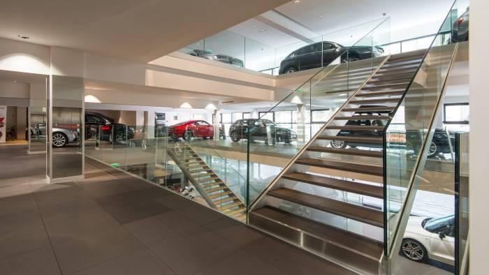 Audi Paris > Exposition véhicules neufs & occasion