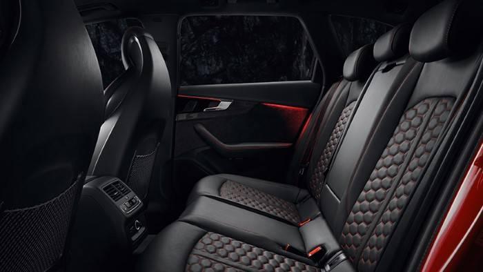 Nouvelle Audi RS4 Avant 2019 banquette arrière