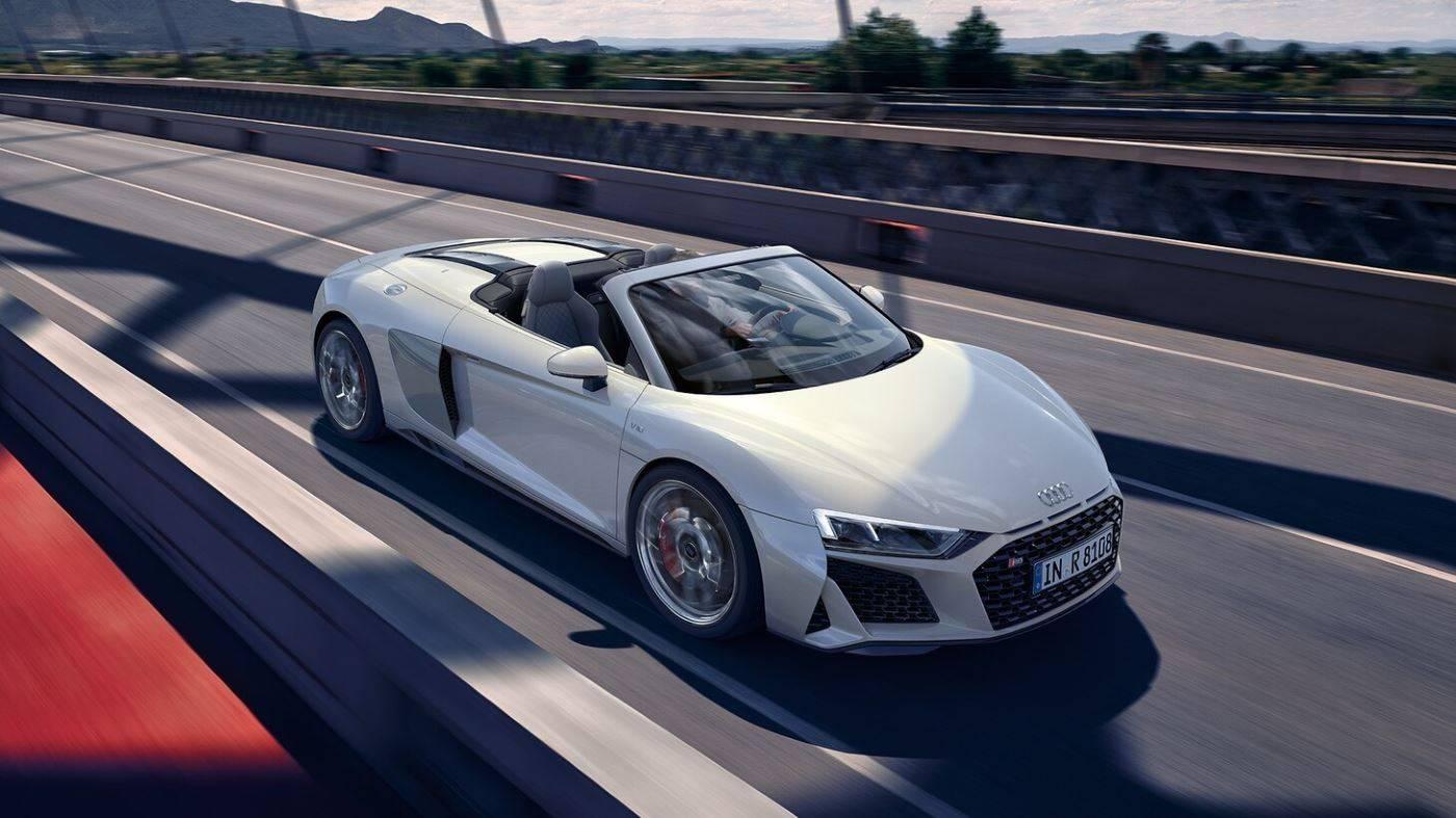 Audi R8 Spyder V10 quattro avant 3/4 blanc