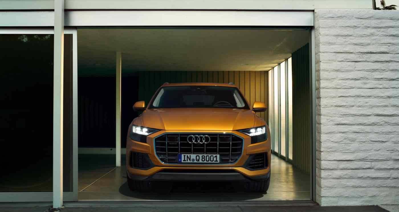 Audi Q8 > Ouverture sur face avant