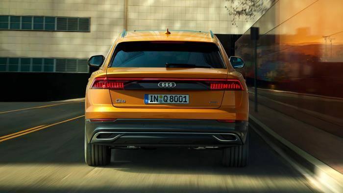 Audi Q8 > Vue Arrière, phares led