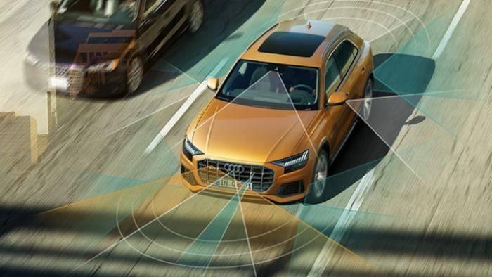 Audi Q8 > Sécurité active 700