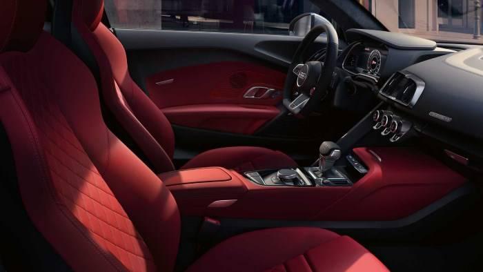 Nouvelle Audi R8 coupé V10 intérieur rouge