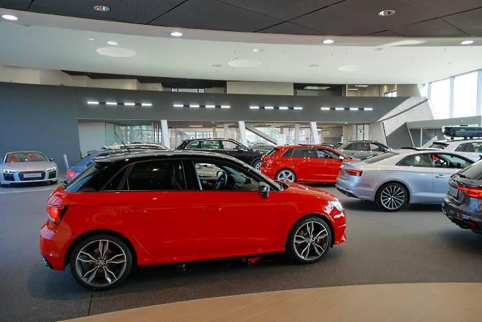 Audi Bauer Paris Roissy expo neuf 700 3