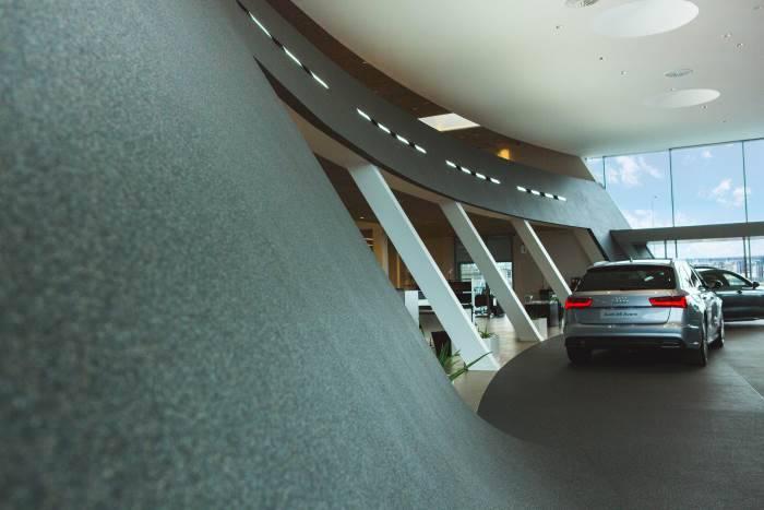 Audi Bauer Paris Roissy expo neuf 700 2