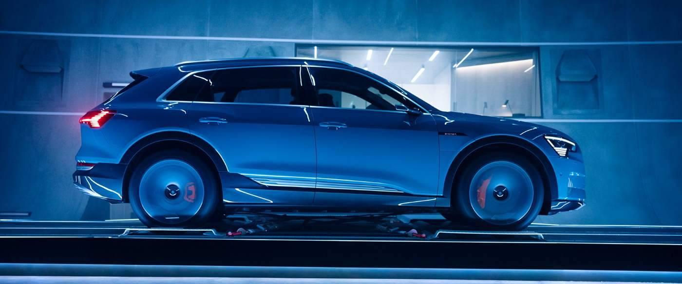 Audi e-tron 2018 3/4 Profil Moteur