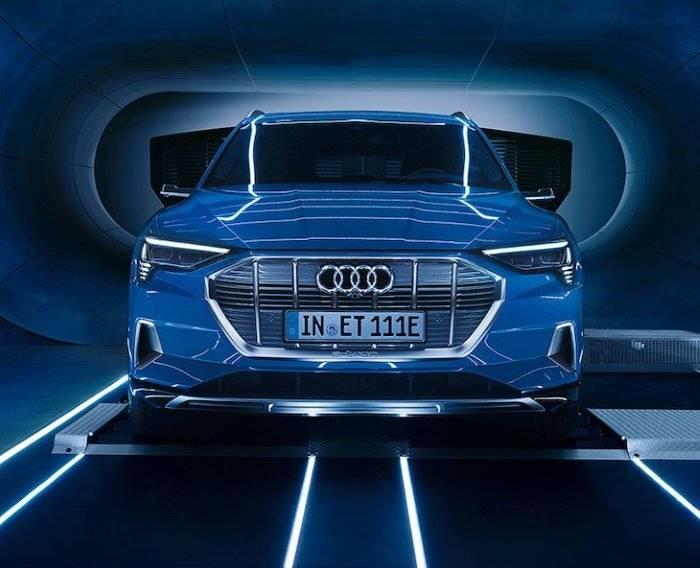 Audi e-tron 2018 face avant réserver