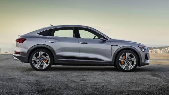 Nouvelle Audi etron Sportbacj e-tron electriq