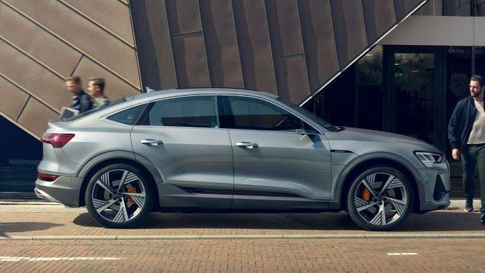 Nouvelle Audi e-tron Sportback argent