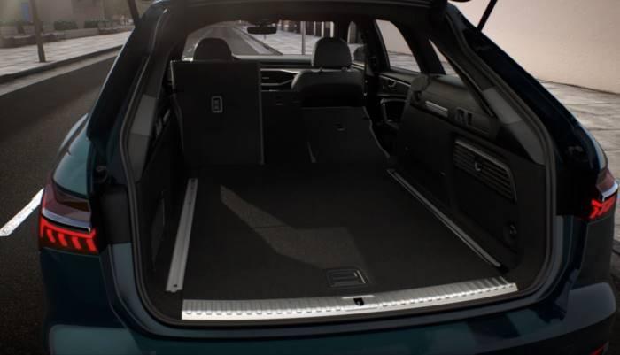 Nouvelle Audi A6 avant photo coffre rabattu