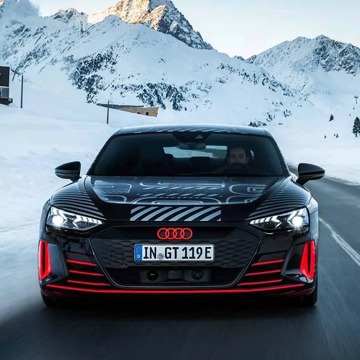 Audi e-tron GT électrique face avant sécurité