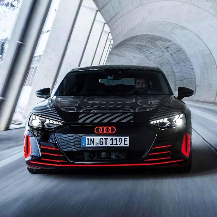 Audi e-tron GT Sportive électrique tunnel isère