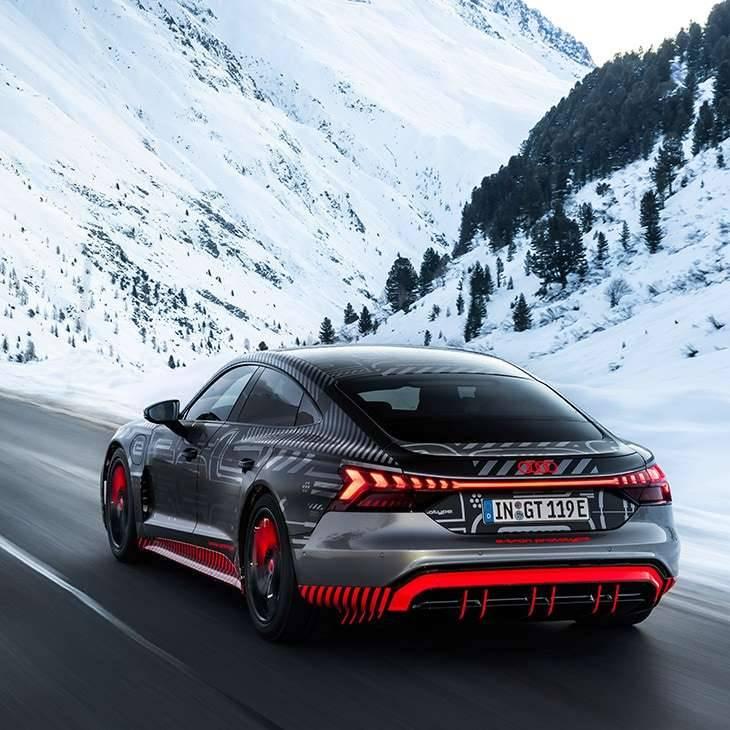 Nouvelle Audi e-tron GT électrique vue arrière