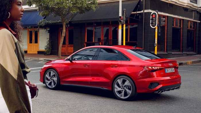 Audi S3 Berline 2020 profil arrière sport
