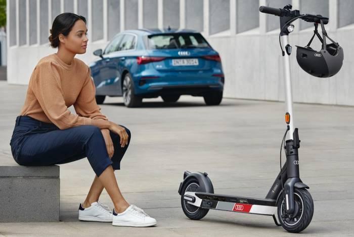 Trottinette Audi electric kick scooter