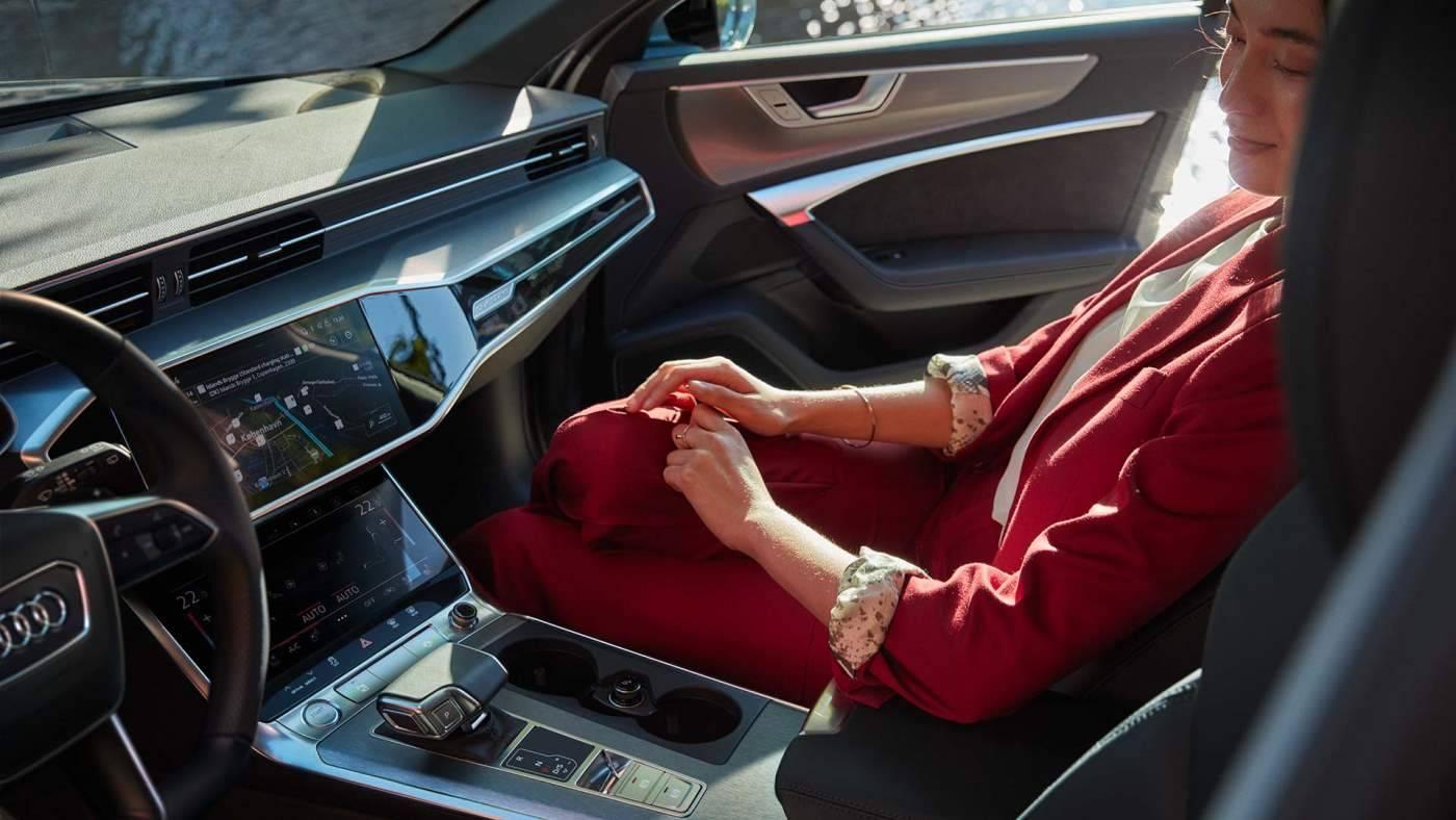 Intérieur Audi A6 Avant TFSIe hybride 2021