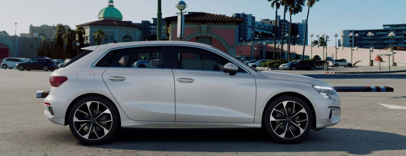 Nouvelle Audi A3 Sportback 2020 profil blanche