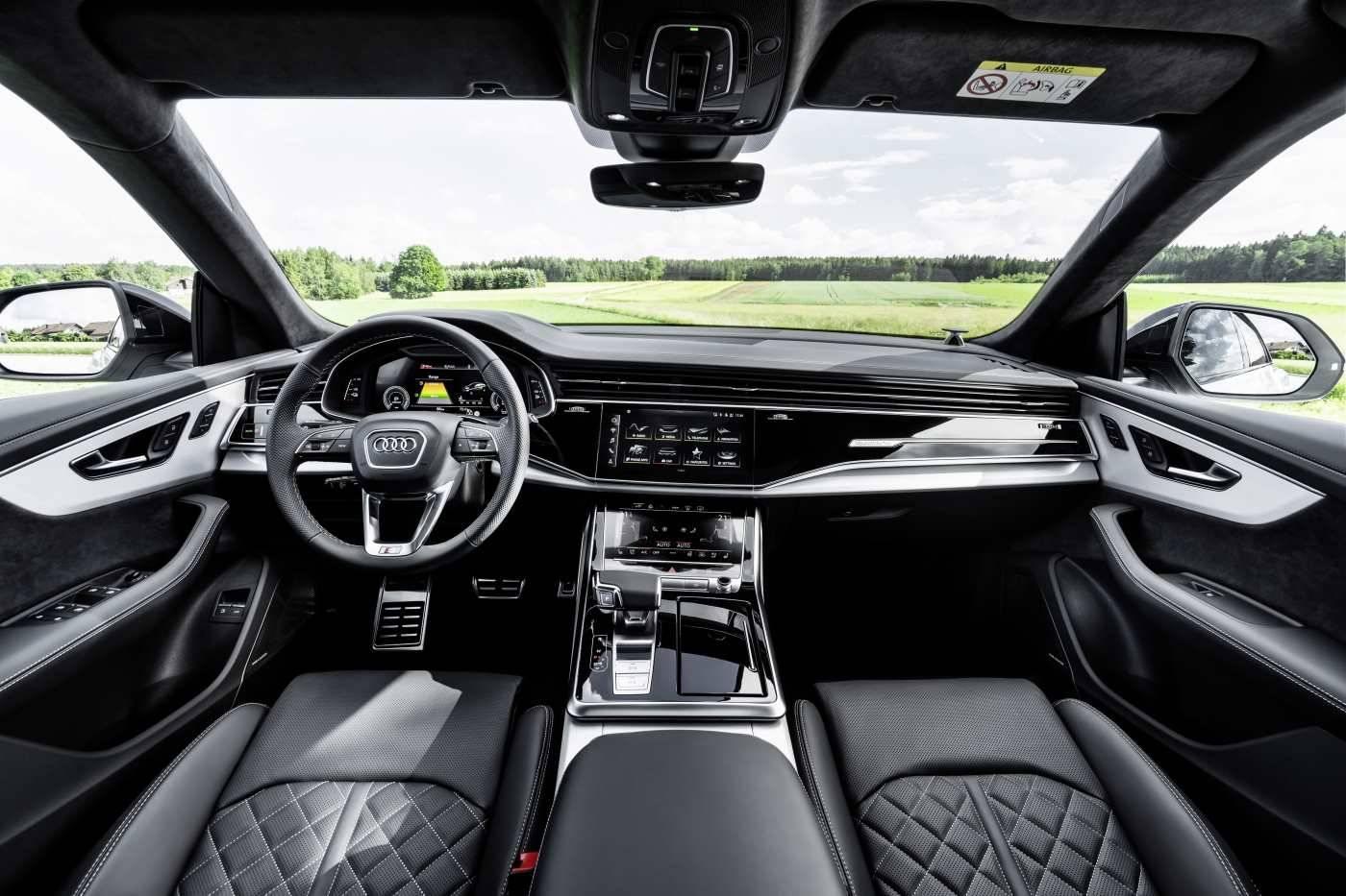 Audi Q8 TFSIe hybride rechargeable intérieur cuir