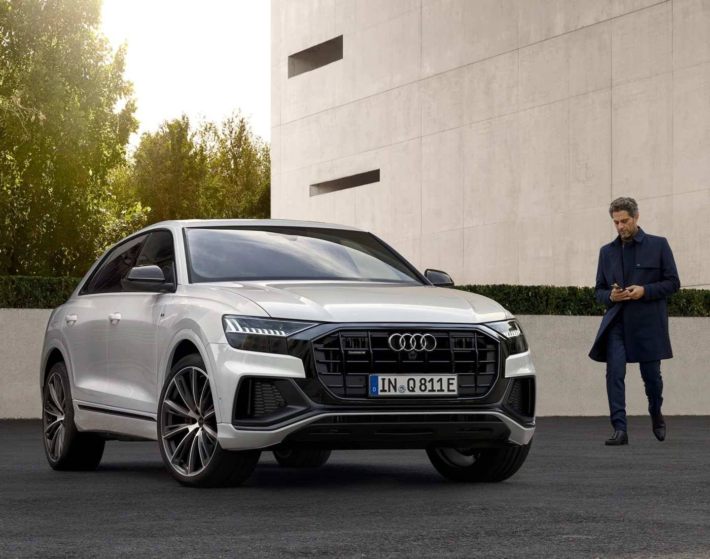 Audi Q8 TFSIe hybride rechargeable image blanc