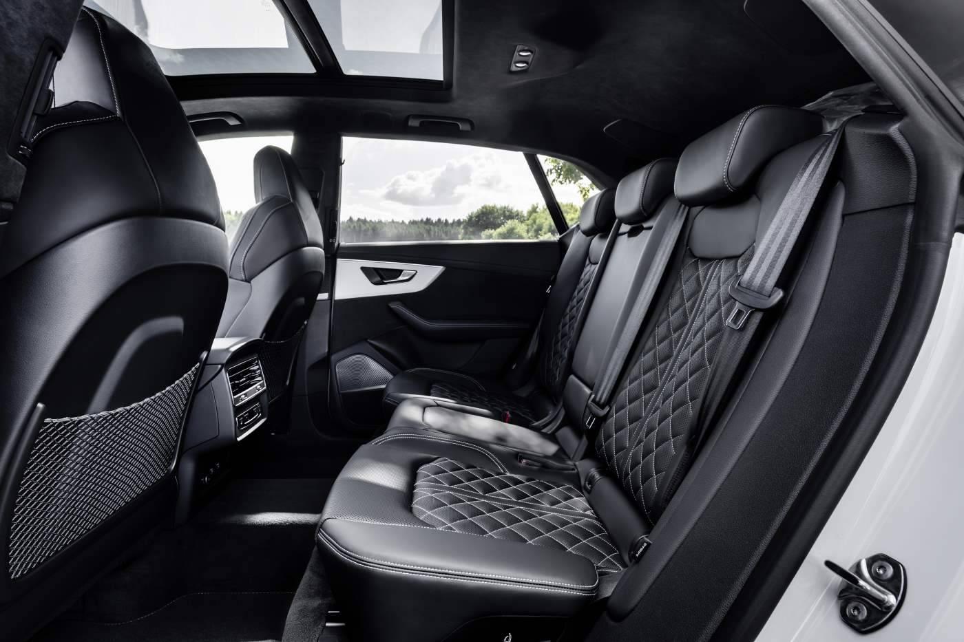 Audi Q8 hybride banquette arrière siège enfant