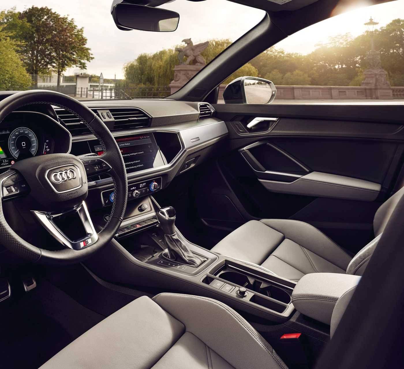 Nouvelle Audi Q3 TFSIe hybride intérieur siège