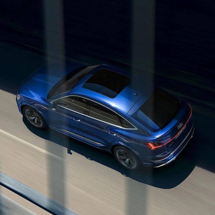 Audi e-tron S Sportback électrique bleue