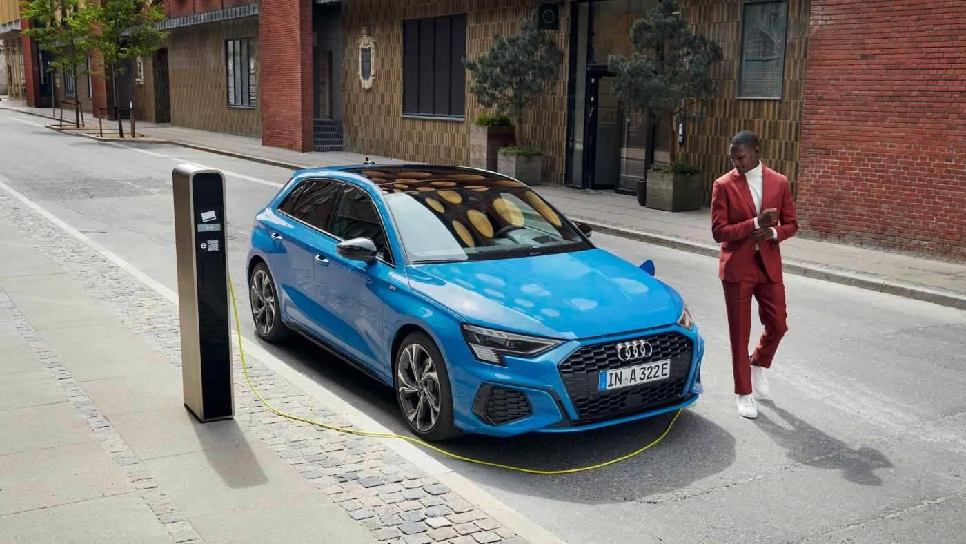 Nouvelle Audi A3 hybride TFSIe voiture electrique